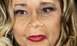 Etta James album sales soar after death last week