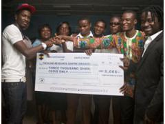 Tinny Donates GH¢ 3000 To Okuapeman School