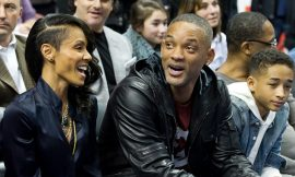 Will Smith and his family have a great time at basketball game