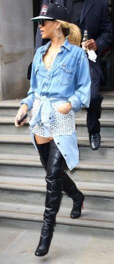 Rihanna Spends £15,000 On Hair