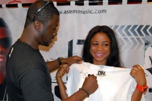 Asem Interacts With Fans At Autograph Signing