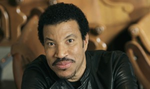 Apollo Theater To Induct Etta James And Lionel Richie