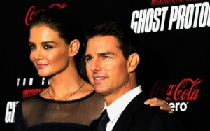 Report: Katie Holmes moves out