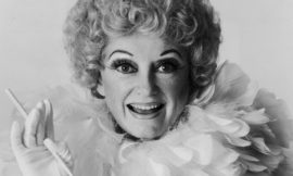 Comedian Phyllis Diller dies 'with a smile on her face'