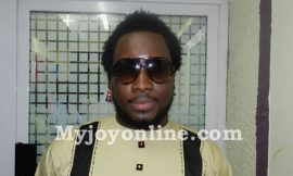 Video: 15 people vet my songs before they are released – Sonnie Badu