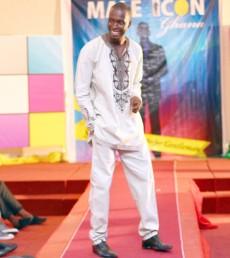 TV Presenter Wins Male Icon 2012