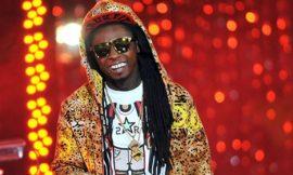 Lil Wayne hospitalised