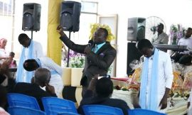 Eld. Quarm touches God's heart for blessings with Megye M'adeε