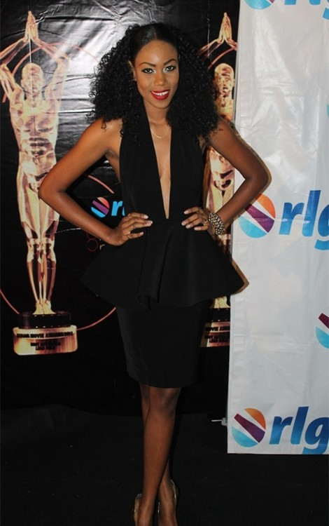 Does Yvonne Nelson Need Help?
