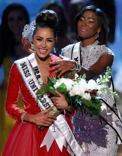 Sexy American Cellist Crowned Miss Universe 2012
