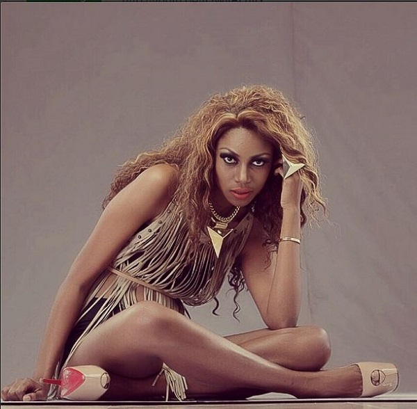 I Can Never Act Nude – Yvonne Nelson