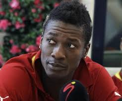 Asamoah Gyan Donates $10,000 To Kwabena Kwabena's Save A Life Foundation