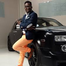 Funny Face Involved In An Accident… 'Gifted' Range Rover Damaged