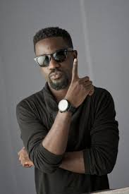 Sarkodie Chills With Girlfriend In Miami