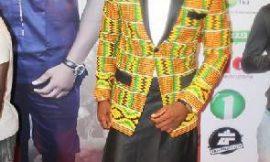 Actor wears skirt to 'Royal Diamdem' premiere