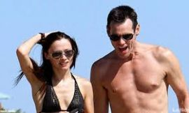Jim Carrey's girlfriend commits suicide after they broke up