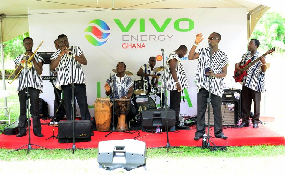 Evergreen Dance Band to Rock +233 Bar And Grill
