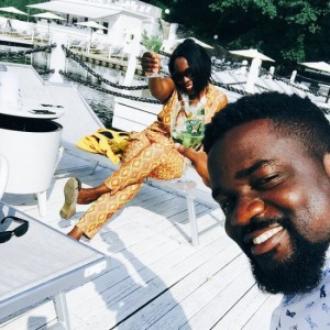 Sarkodie on a vacation with family