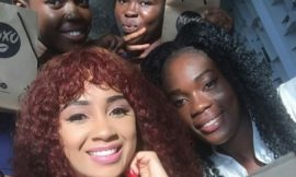 Deborah Vanessa with fans
