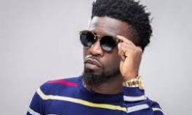 Music video: Bisa Kdei releases 'jwe'