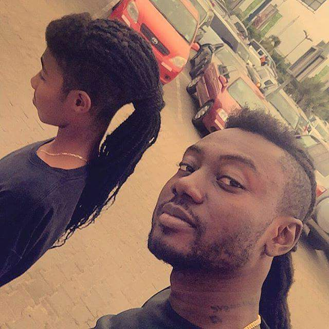Pappy Kojo Can't Keep His Hands Off His Girlfriend's 'Tundra' (PHOTO)