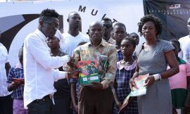 Shatta Wale support Techiman school
