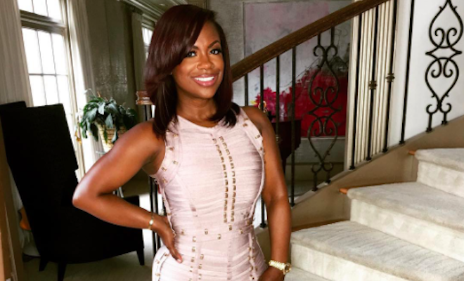Kandi Burruss exposed on set?