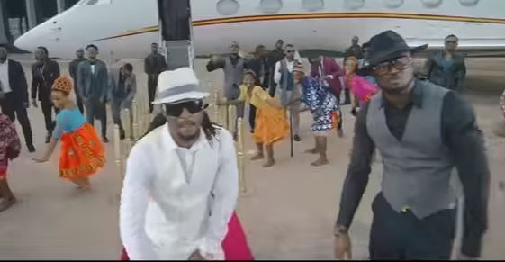 "Official video to ""Bank Alert"" from P-Square"