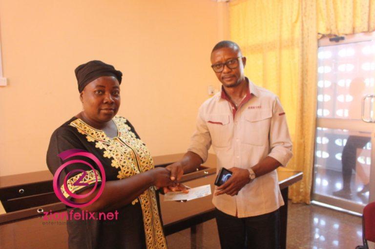 GHAMRO presents Funeral Donation to Daasebre Gyamenah's wife