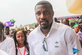 Fuel Attendant refuses to serve John Dumelo