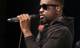 Sarkodie's Team attacked in a Fight between Davido and Wizkid