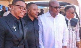 John Mahama hangs out with Owusu Bempah, Obinim