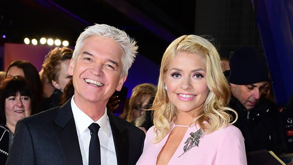 'Don't you snap at my girl!' Phillip Schofield defends Holly Willoughby on Dancing On Ice