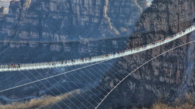World first  Longest Glass Bridge Opens In China – And It's 755 Ft High