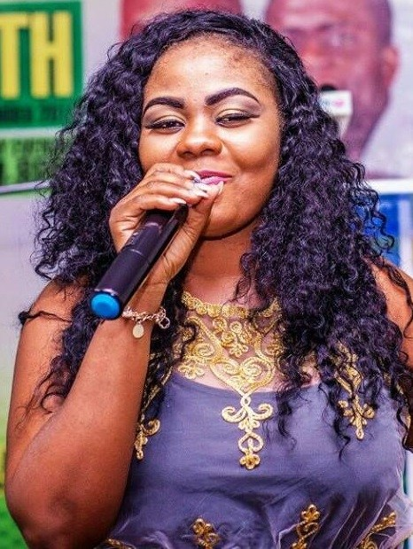 VIDEO: Gospel Singer Gifty Osei performs  Shatta Wale's 'Freedom' Track at 2017 People's Celebrity Awards