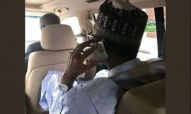 Nigerians react to photo of President Buhari using this type of phone