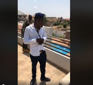 Lights went off in Aflao when Shatta Wale tried dissing Stonebwoy on stage