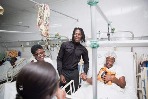Stonebwoy Reach out At Korle-Bu Hospital to pay bills for patients