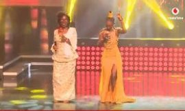 Nana Yaa performs with Naa Amanua on stage