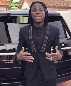 Stonebwoy Causes Commotion With his Range Rover after Shatta Wale called him poor