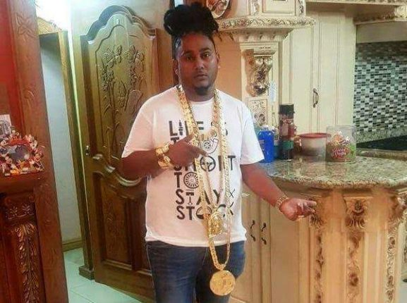 Millionaire Businessman Buried With Gold Worth $216,000 (Photos)