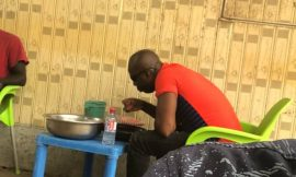 This Photo Of Kumchacha Eating In A 'Chop Bar' Is The Trending Story On The Internet Today