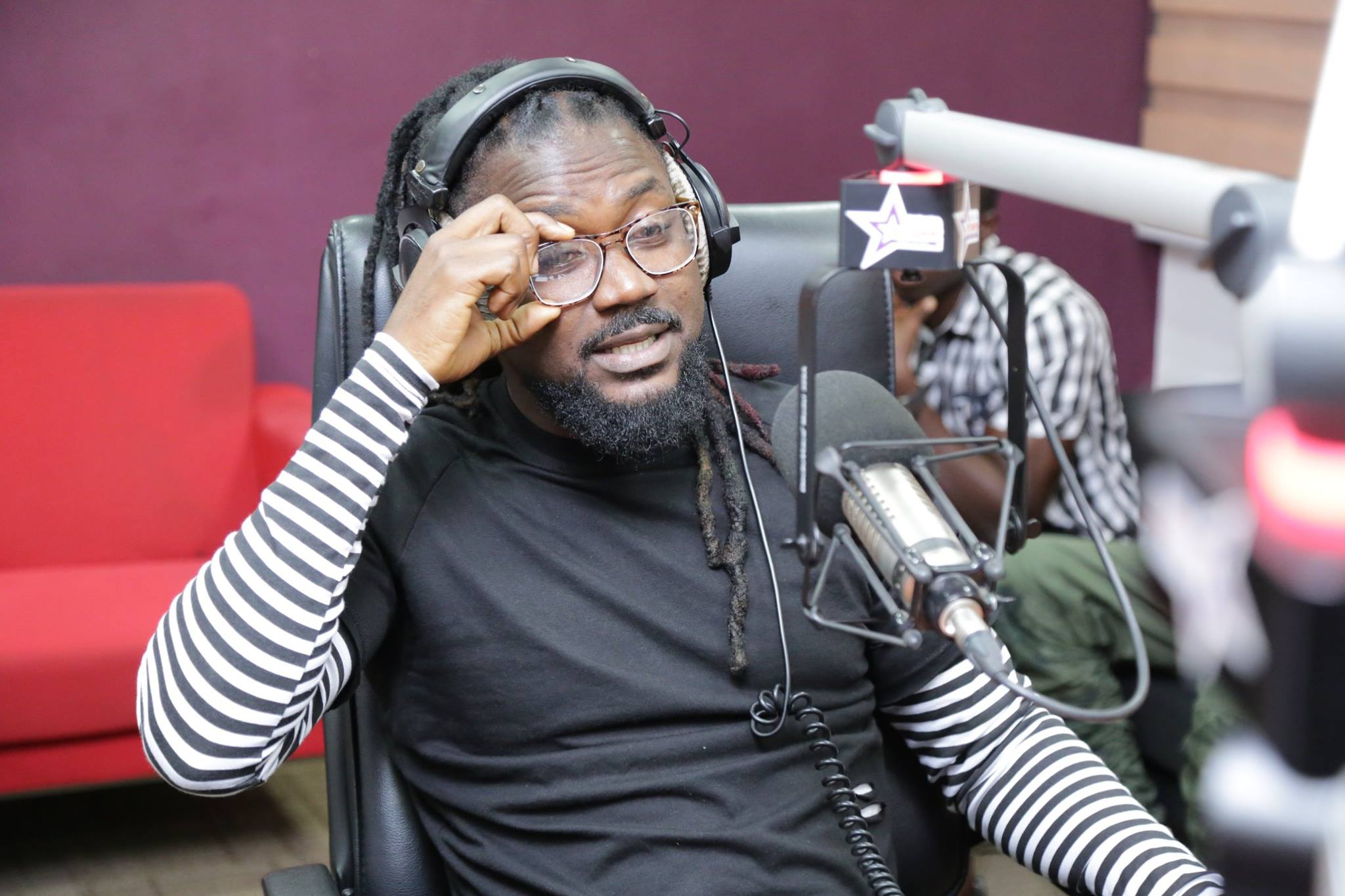 "WATCH VIDEO – SAMINI JAMS TO SHATTA WALE ""GRINGO"" SONG"