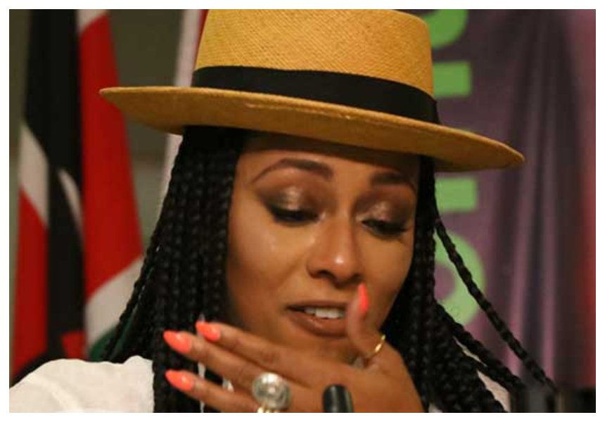 American RnB sensation Keri Hilson breaks down in tears at a press conference at KICC (Photos)
