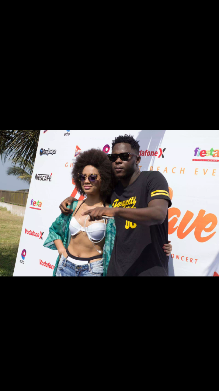 Video:Medikal flaunts his cash and a customized diamond shoe