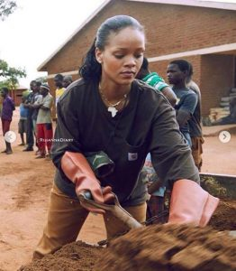 Viral Photos Of Rihanna Helping The Poor To Fetch Water In Malawi (Photos)