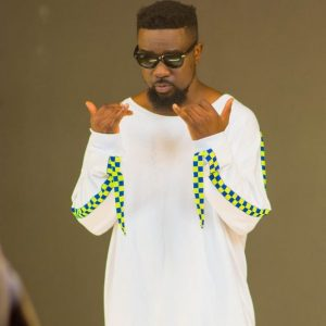 Sarkodie reacts on bank corrupt issue