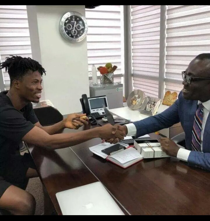 Bola Ray Gifts Kwesi Arthur An Expensive Wrist Watch