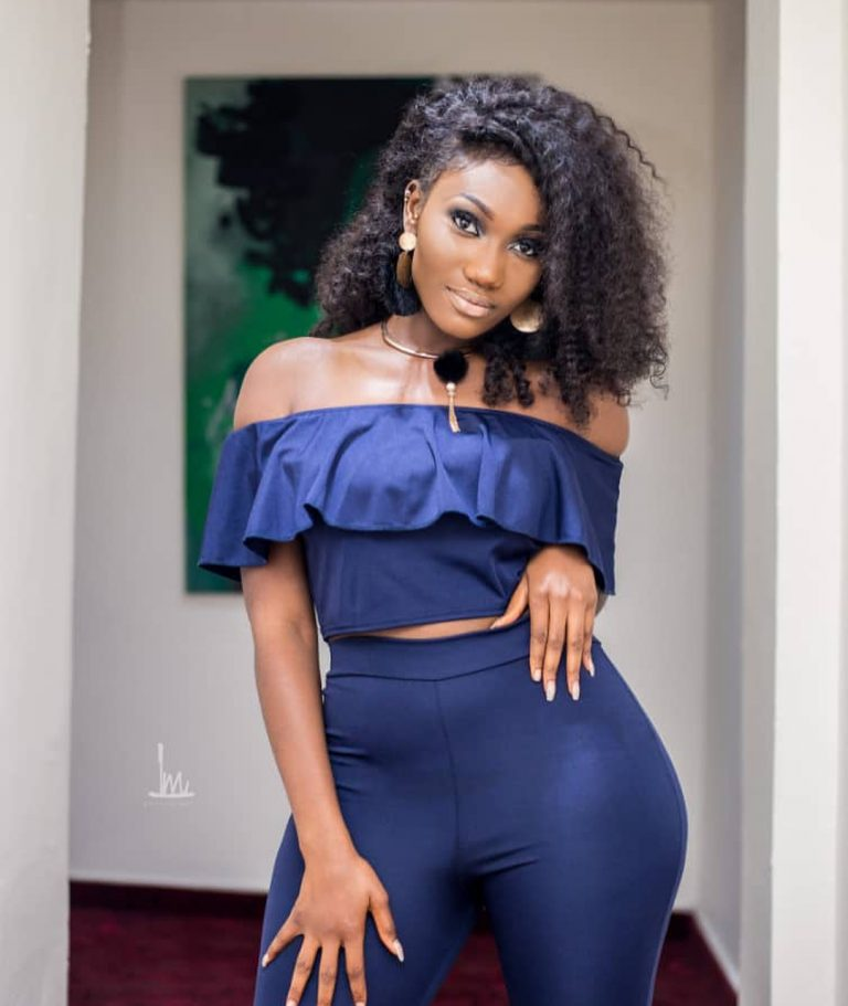 """""""Who Is Wendy Shay"""", Wendy Shay Unable To Answer Suspends Interview"""
