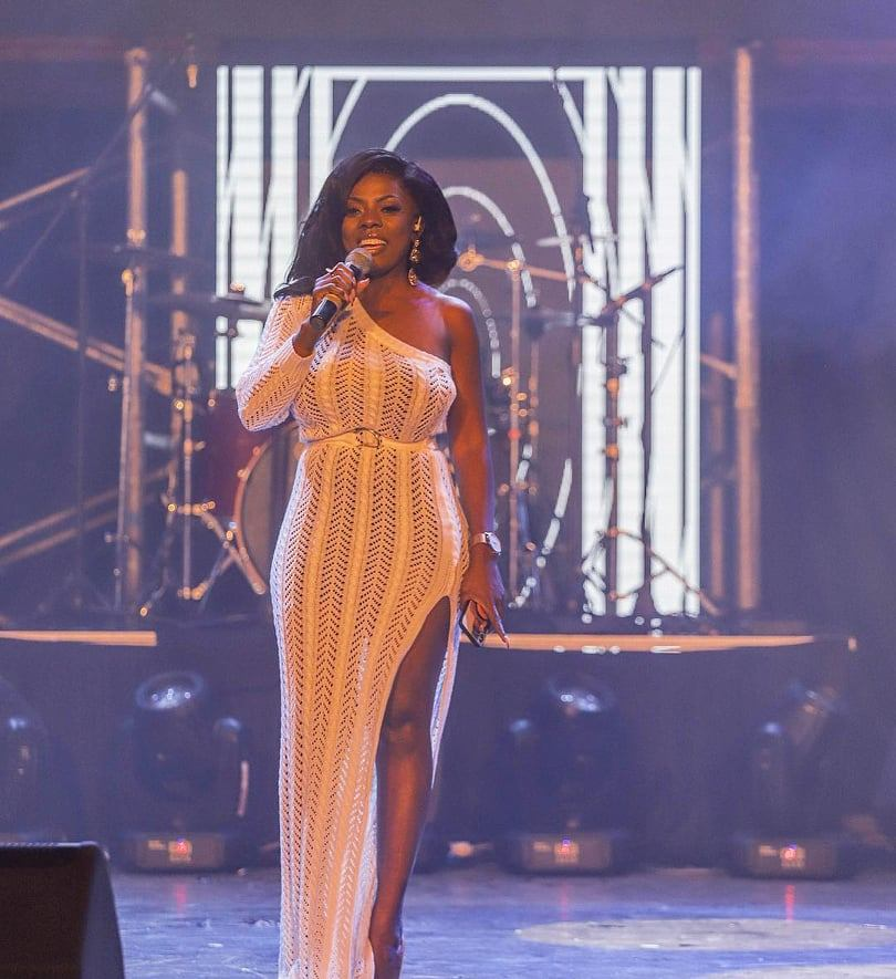 Ghanaians Mock  Nana Aba Anamoah For Her 'Gba-Alert' At The Rapperholic Concert